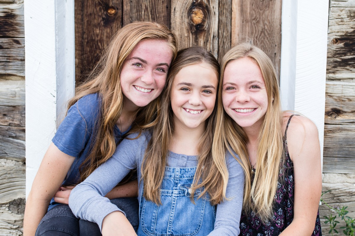 sisters teens family photography Golden photographer