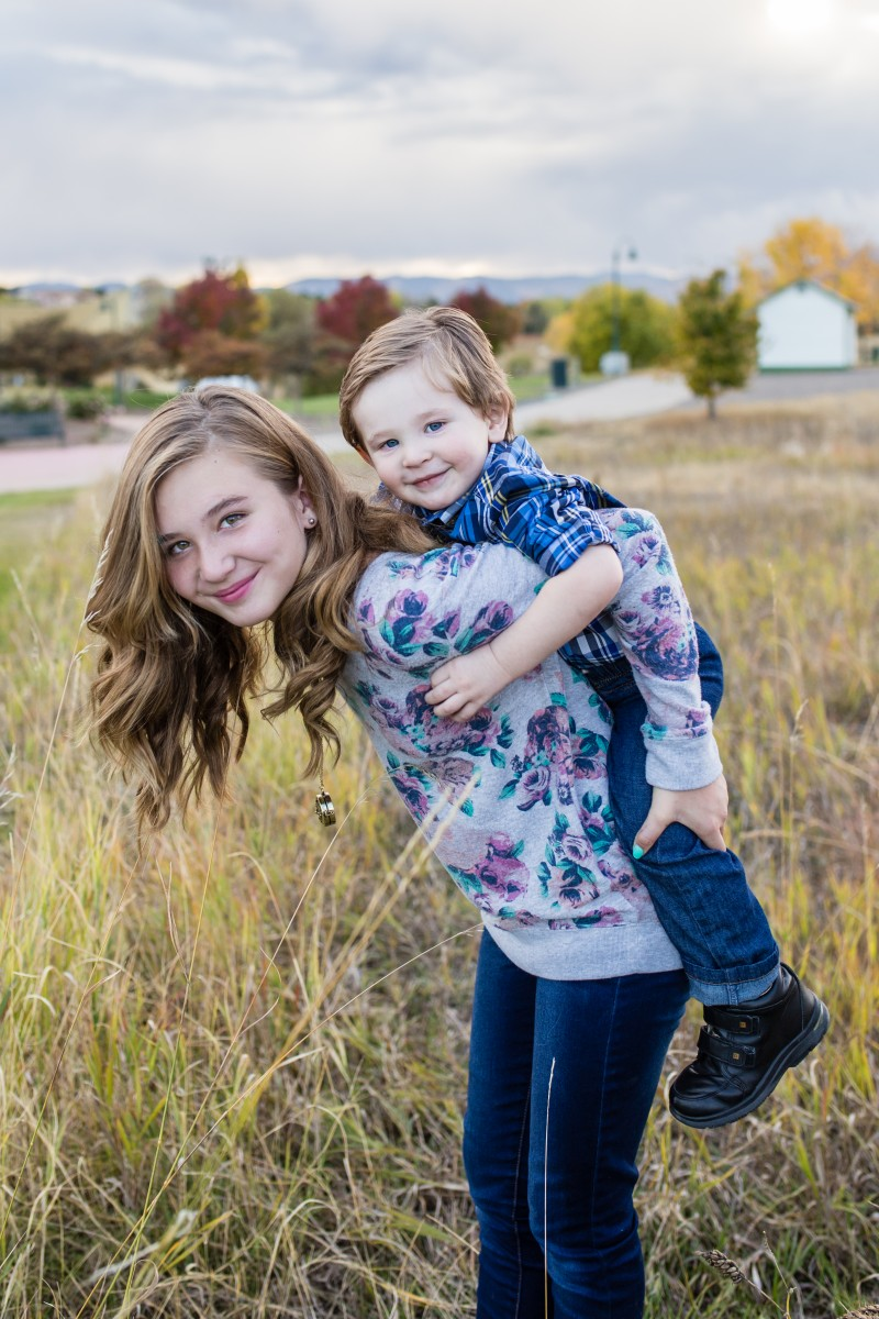 Littleton family photographer in Colorado with kids children brother sister big and little
