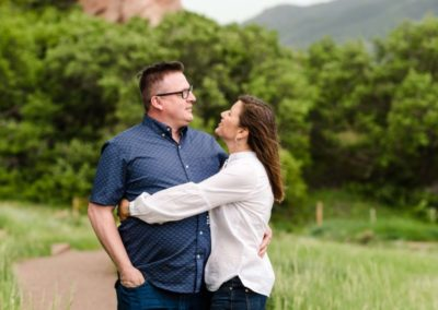 Littleton family photographer couples in love Colorado red rocks photography photo session unposed formations summer