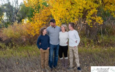 The {D} family of 4 at the Carson Nature Center along the Platte River by local Littleton photographer