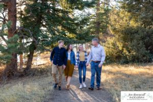 Littleton family photographer Mt. Falcon park Colorado mountain views mountains foothills fall photo session teens teenagers brother sister daughter son golden hour natural light photography
